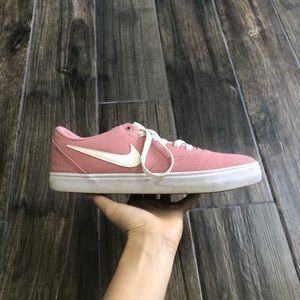 Nike SB Check Solarsoft Canvas shoes Pink 9.5